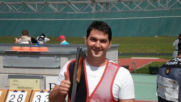 Střelec Jiří Lipták se raduje z postupu do finále mistrovství světa.