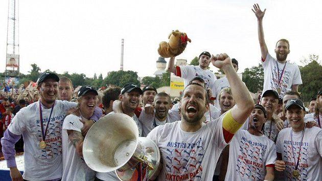 Radost plzeňských fotbalistů ze zisku titulu neměla mezí.