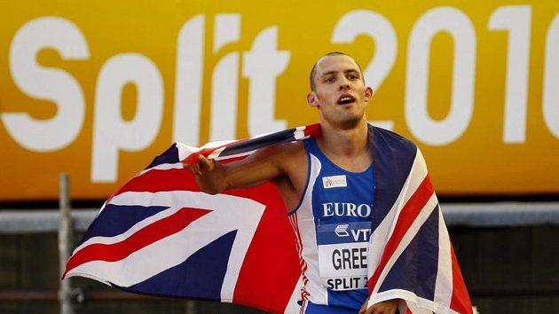 Brit David Greene po vítězství v běhu na 400 m překážek