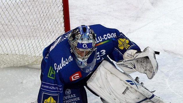 Gólman Jakub Štěpánek vychytal v KHL první nulu.