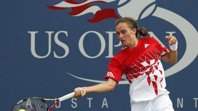 Ukrajinský tenista Alexandr Dolgopolov během utkání s Novakem Djokovičem na US Open.