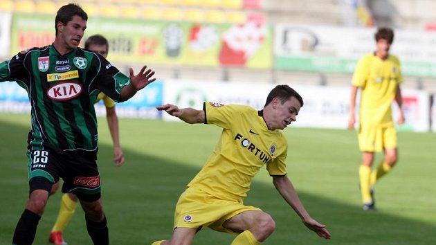 Do Příbrami se vrátil Tomáš Pilík (vlevo).