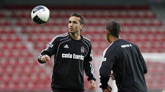 Tomáš Sivok (vlevo) na tréninku Besiktase Istanbul