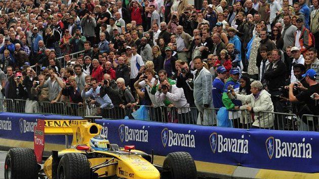 Jan Charouz při Rotterdam City Racing, kde se představil za volantem formule 1 Renault.