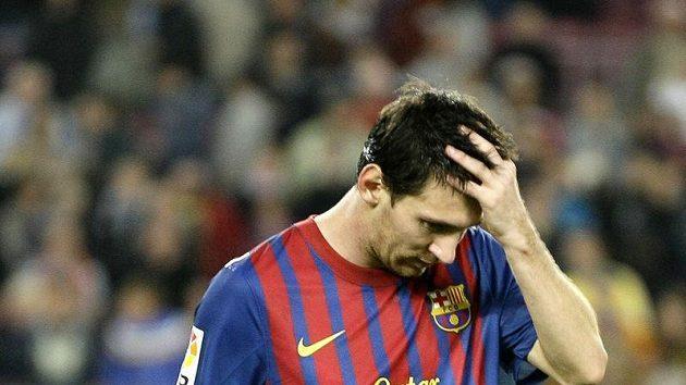 Zklamaný fotbalista Barcelony Lionel Messi