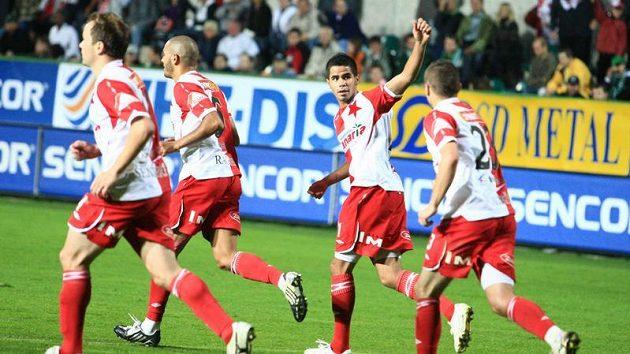 Tijani Belaid , stejně jako ostatní slávisté, věří, že francouzské Lille ve druhém zápase EL porazí.