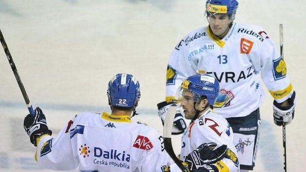 Petr Pohl (vpravo dole) se spoluhráči z Vítkovic Slobodou a Svačinou