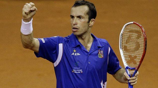 Nabuzený tenista Radek Štěpánek ve finále Davis Cupu v souboji se Španělem Davidem Ferrerem