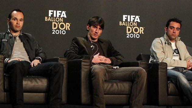 Nominovaní fotbalisté na Zlatý míč FIFA 2010. Radoval se Messi (uprostřed).