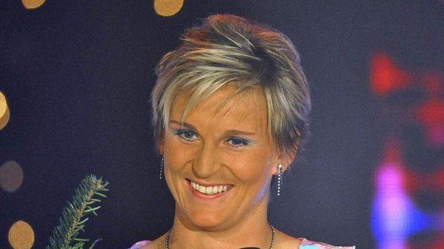 Oštěpařka Barbora Špotáková si už jeden dárek nadělila - nádherné šaty, které se nechala poprvé v životě ušít na míru a jimiž oslňovala při vyhlošování Sportovce roku.