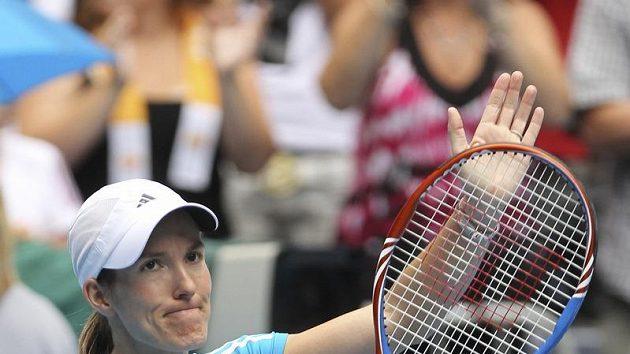 Belgická tenistka Justine Heninová se raduje z vítězství nad Ruskou Klejbanovovou na Australian Open.