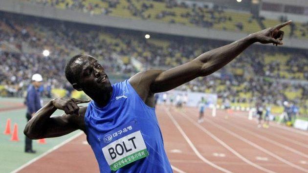 Usain oslavil vítězství v Tegu svým typickým způsobem.