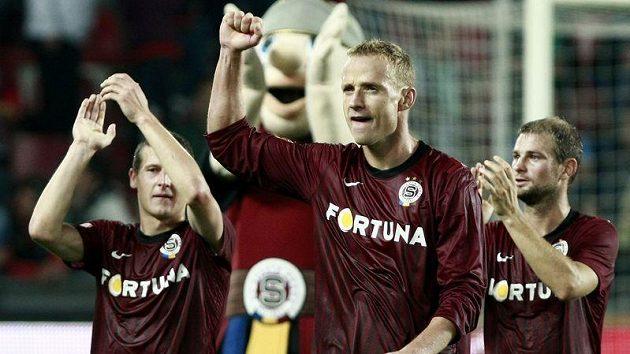 Jiří Jarošík se raduje z vítězství nad Slavií 3:0, k němuž pomohl úvodním gólem.