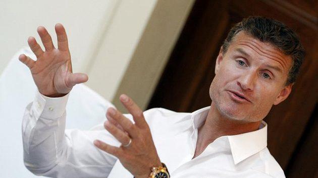 Bývalý pilot formule 1 David Coulthard vyrazí na tah s králem střelců české fotbalové ligy.