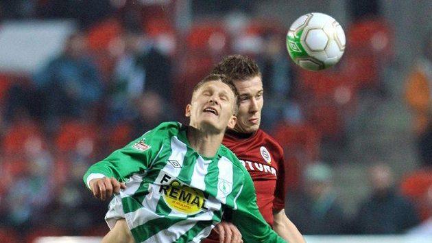 Zleva Milan Škoda z Bohemians a Juraj Kucka ze Sparty v jednom z minulých derby.