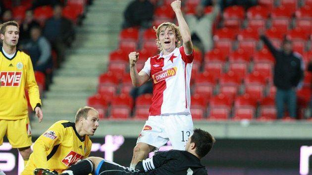 Slávista Milan Černý se raduje z gólu.
