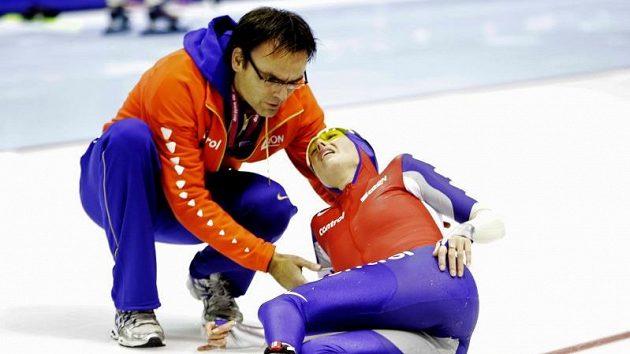 Nizozemská rychlobruslařka Marianne Timmerová bezprostředně po pádu.