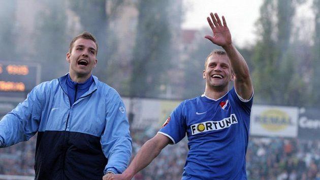 Radost fotbalistů Baníku Ostrava. Vpravo autor vítězného gólu Adam Varadi.