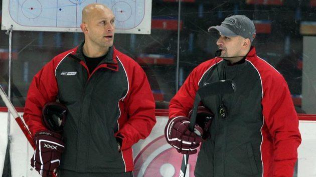Trenéři pražské Sparty David Volek (vlevo) a Miloš Holaň