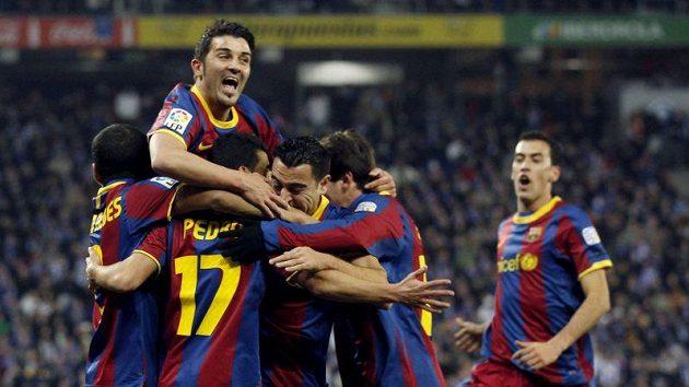 Fotbalisté Barcelony obhajují vítězství v nejlepší lize světa.