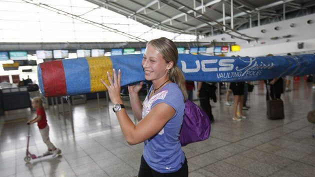Jiřina Svobodová na cestách s tyčemi už zažila dost trablů.
