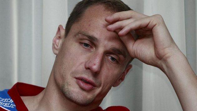 Brankář Jaroslav Drobný.