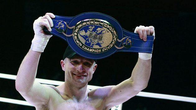 Boxer Lukáš Konečný s titulem mistra Evropy
