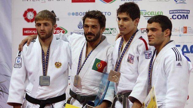 Zleva stříbrný Murat Kodzokov z Ruska, Joao Pina, Jaromír Ježek a Turek Hasan Vanlioglu.