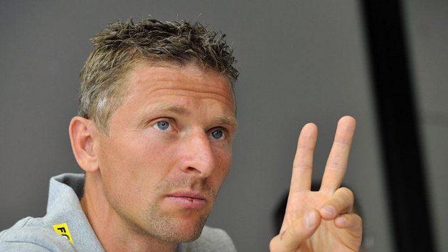 Martin Hašek se vrátí do mládí.