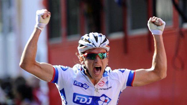 Yauheni Hutarovič se raduje z vítězství ve 2. etapě Vuelty