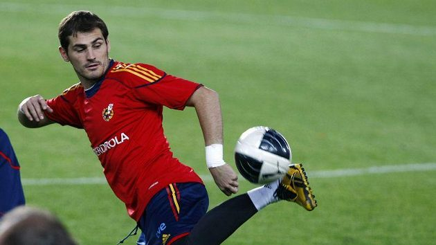 Brankář Iker Casillas na tréninku