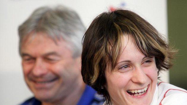 Martina Sáblíková a její trenér Petr Novák.