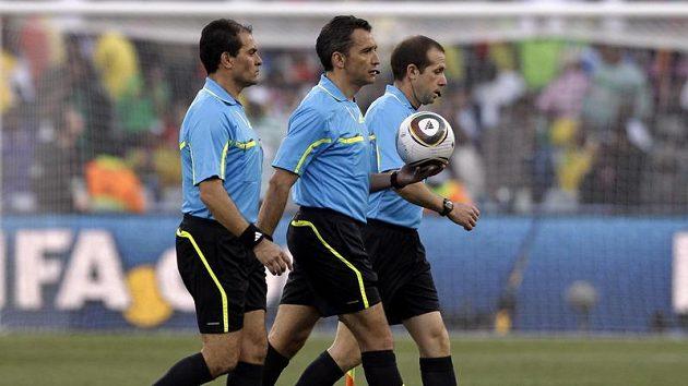 Fotbaloví rozhodčí na MS v Jihoafrické republice