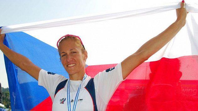 Skifařka Miroslava Knapková se zlatou medailí mistryně světa.
