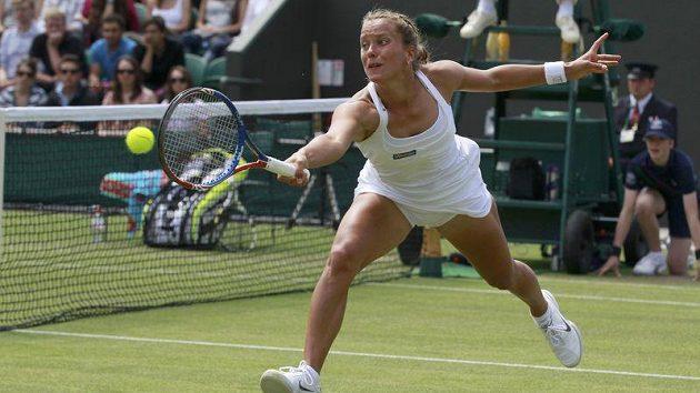 Barbora Záhlavová-Strýcová na italku Schiavoneovou ve Wimbledonu nestačila.