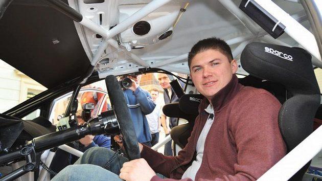 Martin Prokop za volantem soutěžní Fiesty S2000.