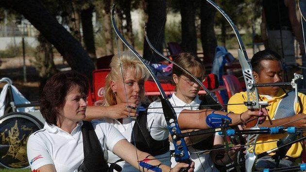 Miroslava Černá, Lenka Kuncová, Markéta Sidková (zleva)