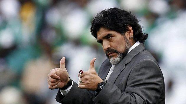 Spokojený argentinský trenér Diego Maradona