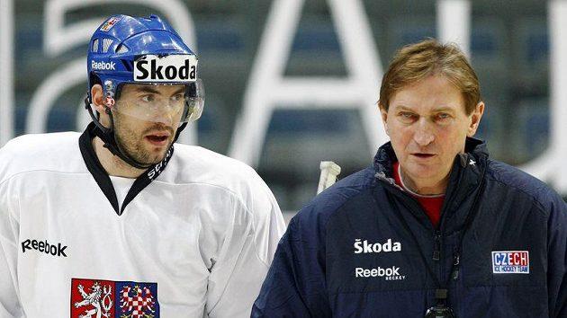 Petr Čáslava (vlevo) v olympijských plánech hokejového kouče Aloise Hadamczika nefiguruje.