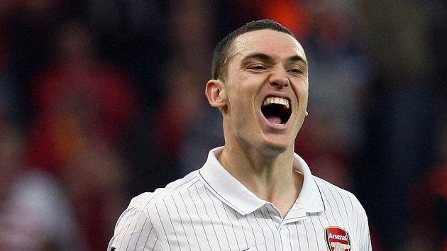 Obránce anglického Arsenalu Thomas Vermaelen už letos do hry nezasáhne.