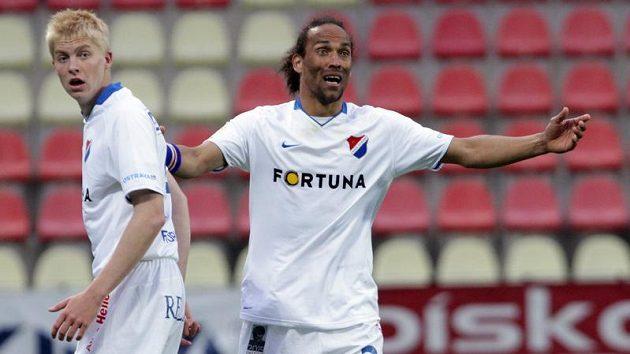 Fernando Neves (vpravo) ještě v dresu Baníku.