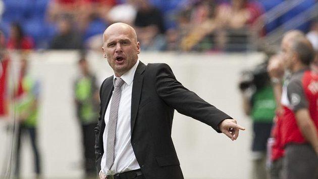 Trenér reprezentace Michal Bílek si nezdar ve Skotsku nepřipouští.