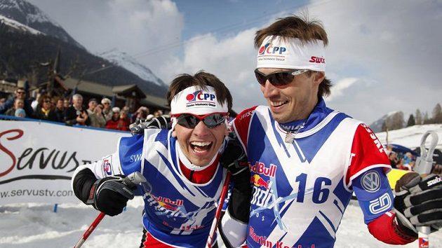 Běžec na lyžích Martin Koukal (vpravo) na archivním snímku.