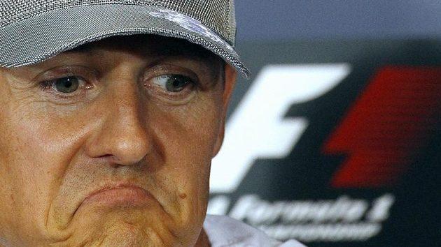 Michaelu Schumacherovi se zatím nedaří, jak čekal.