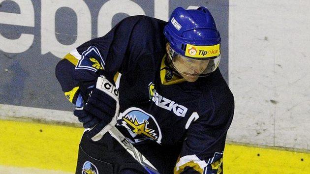 Kladenský kapitán Pavel Patera může být zatím v této sezóně spokojený, Rytíři bojují o play-off.