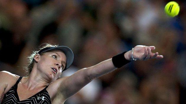 Američanka Bethanie Matteková-Sandsová při finále Hopmanova poháru proti Belgičance Heninové.