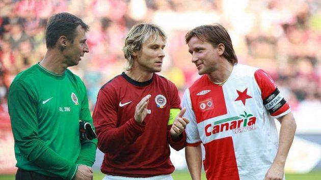 Internacionálové Petr Kouba, Pavel Nedvěd a Vladimír Šmicer. Kouba by teď měl mít na povel letenské brankáře.