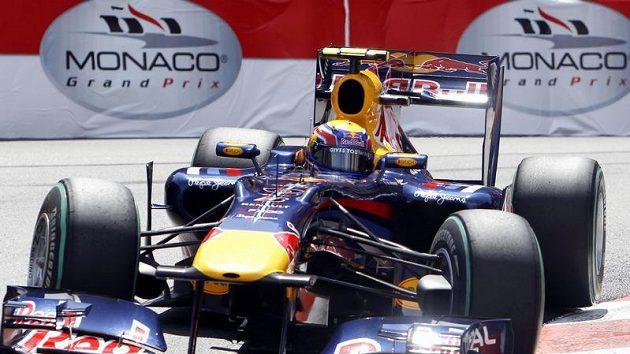 Pilot stáje Red Bull Mark Webber při kvalifikaci na Velkou cenu Monaka.