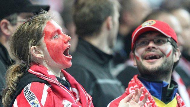 Spokojení fanoušci hokejistů Třince, krok a budou se radova z titulu.