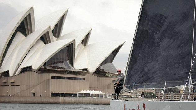 O svou Velkou cenu usiluje i Sydney (na snímku Lewis Hamilton na jachtě).